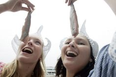 Eating Raw Herring - Google Afbeeldingen resultaat voor http://badboyso.ipower.com/formbuilder/web/forms/typisch-nederlands-eten-4910.jpg