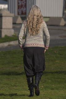 Ravelry: Favorittjakka / Favorite Cardigan pattern by Hilde Helgedatter Cardigan Pattern, Ravelry, Parachute Pants, Knitwear, Harem Pants, Sweaters, Beautiful, Design, Fashion