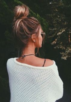 messy top bun / #fashion #hairstyles
