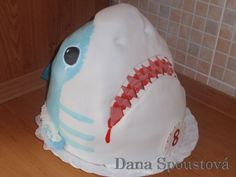 great white shark cake - wow! #shark party
