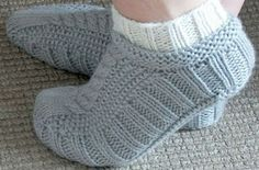 Galler Yarns: Cabled Cozies Slippers Pattern by Stacey Gerbman
