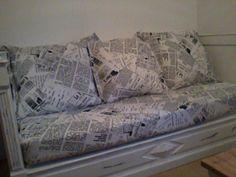 lit de coin transformer en canape je l ai repeint et crer les coussins avec matelas