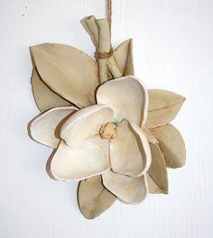 Magnolia della serie Harvest. Fatto a mano di HouseOfCeramics