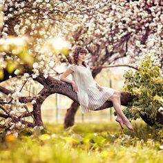 """фотосессия ребенка цветы яблони - """"Google"""" paieška"""