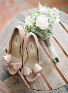 Valentino bow pumps - a wedding day classic Photography by Desi Baytan Photography / desibaytan.com, Event Planning by Modern LA Weddings / modernlaweddings.com/, Floral Design by Three Petals / threepetals.com/ #shoes