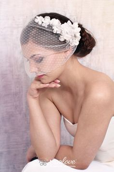 Kamilah | two-layer veil with silk flowers - MoaLove Accessories