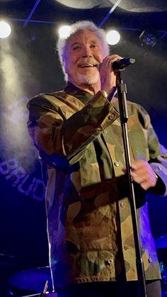 Tom Jones Singer, Sir Tom Jones, Toms, Concert, Inspiration, Biblical Inspiration, Concerts, Inspirational, Inhalation