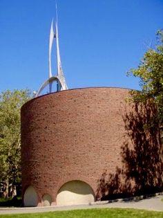 Boston Architecture, Modern Architecture, Modernism, Straw Bag