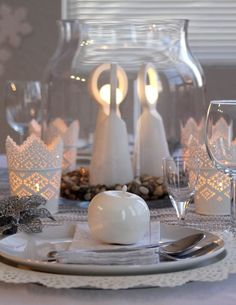 Silver and cream holiday table setting.  #Christmas, #holidaydecor, #holidaytable #ahappyplacecalledhome