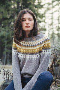 Fair Isle Knitting Patterns, Sweater Knitting Patterns, Girls Sweaters, Sweaters For Women, Ravelry, Nordic Sweater, Matching Sweaters, Sweater Design, Diy Clothing
