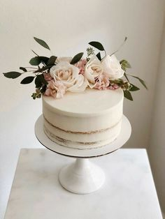 Birthday Cake With Flowers, Pretty Birthday Cakes, Pretty Cakes, Cute Cakes, Beautiful Cakes, Rustic Birthday Cake, Elegant Birthday Cakes, Birthday Cakes Women, 25th Birthday