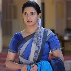 Hot Desi aunty sweaty armpits in wet blouse. Desi Bhabhi wet blouse, sweat underarms pics.