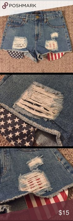 F21 American Flag High Waisted Shorts Super cute Forever 21 high waisted, cheeky (ish) jean shorts. American flag pockets. Worn 1 time. From waist to hem is approximately 11 inches and waist lying flat and buttoned is approximately 14 inches. Forever 21 Shorts Jean Shorts
