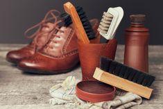Egy rossz minőségű cipőkefe többet árt a lábbelinek, mint használ! Ez főleg drágább, jó minőségű valódi bőrnél kifejezetten kellemetlen. Menjen biztosra, rendeljen inkább tőlünk! #kefe #cipőkefe #kefekészítés