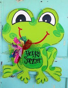 Classroom door hangers etsy 58 ideas for 2019 Burlap Crafts, Burlap Wreath, Wooden Crafts, Frog Theme, Decoration Entree, Frog Crafts, Burlap Door Hangers, Teacher Doors, Wooden Cutouts