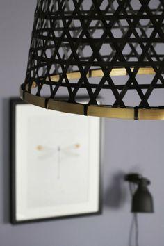 Upside down bamboo basket lamp shade Ikea Basket, Bamboo Basket, Diy Luz, Home Hacks, Better Homes, Lampshades, Interiores Design, New Homes, Diy Projects