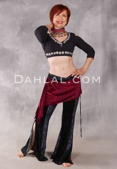 Tribal Looks, Velvet Pants, Costume Shop, Dance Outfits, Cairo, Belly Dance, Dance Costumes, Skirts, Clothes