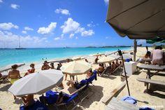 Karakter Beach Bar, St. Maarten. The Beach Bar in a bus!