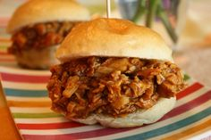 Slow Cooker BBQ Chicken Sliders - good party food