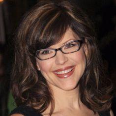 e2414fac6c0df Nobody looks better in glasses than Lisa Loeb Lisa Loeb