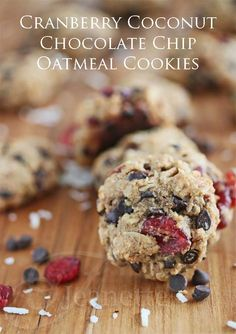 GF Cranberry Coconut Chocolate Chip Oatmeal Cookies #lucisholiday
