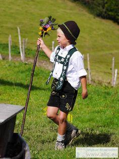 Tracht Allgäu Bayern Kids - Junge in festlicher Tracht