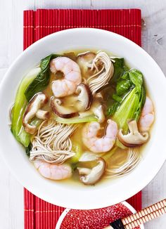 Prawn and mushroom miso soup - this super quick and easy soup means you can have a healthy but comforting meal on the table in just 15 minutes(Paleo Soup Tofu) Fish Recipes, Soup Recipes, Cooking Recipes, Healthy Recipes, Healthy Food, Healthy Dinners, Recipies, Prawn Soup, Miso Soup