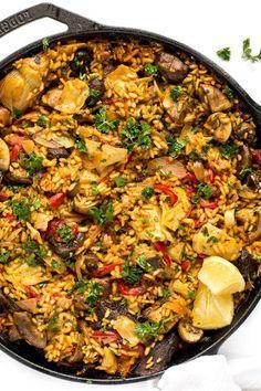 Mushroom Paella + Tips for Making Paella - Blissful Basil Vegan Gluten Free, Vegan Vegetarian, Vegetarian Recipes, Cooking Recipes, Healthy Recipes, Vegetarian Paella, Gluten Free Vegan Recipes Dinner, Vegan Food, Blissful Basil