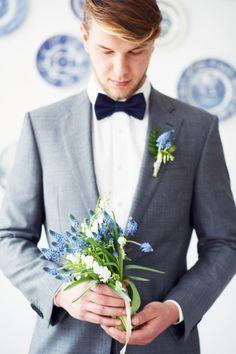 Groom with a pretty bouquet: http://www.stylemepretty.com/destination-weddings/2015/06/09/dutch-delftware-wedding-inspiration/ | Photography: Masha Bakker - http://www.mashabakkerweddings.com/