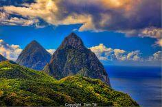Pitons de Ste Lucie, Ile des Caraïbes, vue depuis Souffrière.