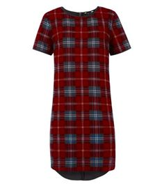 The oversized check dress: We're still having a Highland Fling with tartan, and the jumbo check on this tartan shift dress it totally flicki. Office Fashion, Daily Fashion, Fashion News, Check Dress, Everyday Outfits, Fashion Prints, New Dress, New Look, Tartan
