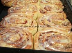 Zimtschnecken (Cinnamo Buns - butterweich und saftig) Cinnamon buns (Cinnamo Buns - buttery and juicy) Baking Recipes, Cake Recipes, Pastry Recipes, German Baking, Sweet Cakes, No Bake Cake, Food Inspiration, Sweet Recipes, Food Porn