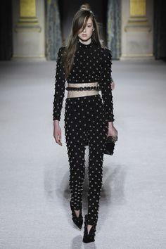 balmain-rtw-fall-2018-paris-fashion-week