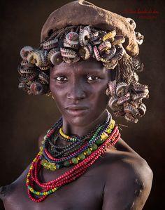 African Wall Art, Tribal African, Tribal Women, Tribal People, African Tribes, African Women, Xingu, African Culture, African Beauty