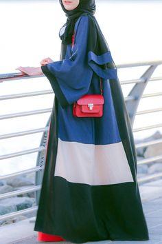 Abaya www.annahariri.com made in Dubai - bestseller since 2013 Dubai style Fluid abaya + sheila (hijab) order from modest online store
