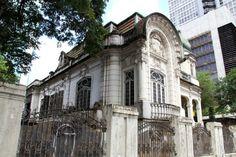 Acervo reúne fotos de casas antigas demolidas ou ainda preservadas da cidade de São Paulo - BOL Fotos