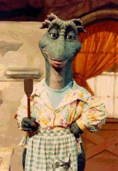 Fran - dinosaurs-the-show Photo Disney Dinosaur, Robot Dinosaur, 70s Tv Shows, Movies And Tv Shows, Dinosaurs Tv Series, Dinosaur History, Nostalgia, History Of Television, Retro Kids
