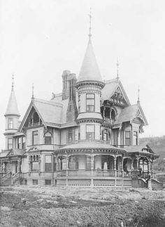 Duluth Minnesota | 1889 Victorian House Restoration