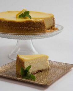Limoncello Cheesecake Supreme - Made with Biscotti, Cream Cheese, and Limoncello (an Italian lemon-flavored liqueur).  Be sure to visit the Dining Diva at the Fall Home & Garden Show The Woodlands (http://www.woodlandsshows.com/)