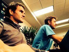 Selfie! stanislas wawrinka y Roger Federer @JugamosTenis