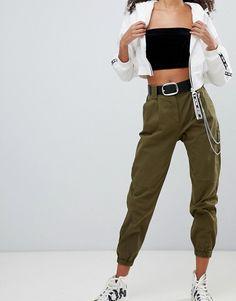 Shop the latest Bershka chain detail cargo pants in khaki trends with ASOS! Khaki Pants Outfit, Blazer Outfits Casual, Khaki Cargo Pants, Trouser Outfits, Dope Outfits, Trendy Outfits, Fashion Outfits, Sweat Shirt, Pantalon Cargo Kaki