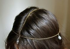 This boho head chain is as easy as chain + crystal. | 31 Impossibly Pretty DIY Hair Accessories