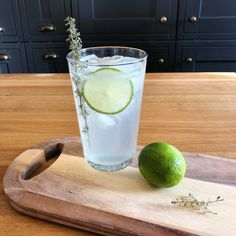 Finnish Lonkero, Refreshing Lime Long Drink with Gin Gin And Soda, Alcoholic Drinks, Cocktails, Beverages, Grapefruit Soda, Gin Lemon, Slice Of Lime, Long Drink, I Want To Eat