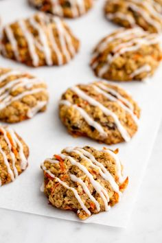CARROT CAKE COOKIESOnly thing better than carrot cake? Carrot cake cookies — no fork required. Click through for more Easter dessert recipes. Cute Easter Desserts, Easter Cookie Recipes, Easter Cookies, Dessert Recipes, Christmas Cookies, Summer Cookies, Baby Cookies, Heart Cookies, Valentine Cookies