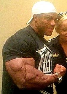 Phil Heath https://www.theironden.com                                                                                                                                                                                 Más