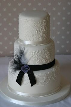 Chic Black White And Silver Wedding Cake By Mé Gâteaux Http - Wedding Cakes In Wakefield