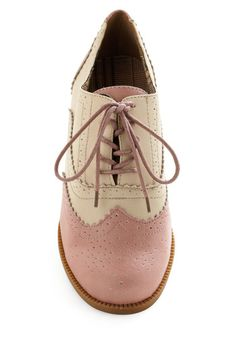 """Ridiculously cute. With about a 1"""" heel. Golf shoe chic"""