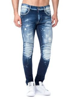 23 best Running Shoes with Jeans Outfits - Outdoor Click Denim Jeans Men, Jeans Pants, Raw Denim, Style Masculin, Shoes With Jeans, Vintage Jeans, Denim Fashion, Jeans Style, Jean Outfits