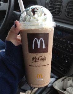 Mocha frappe drinks McDonald's mocha frappes are the BEST handsdown ; frappe drinks McDonald's mocha frappes are the BEST handsdown ; Comida Do Starbucks, Bebidas Do Starbucks, Starbucks Drinks, Coffee Drinks, Coffee Coffee, Mcdonalds Coffee, Yummy Drinks, Yummy Food, Drink Recipes