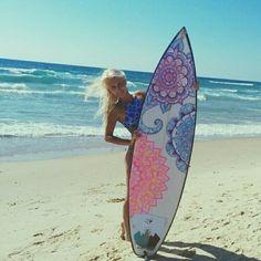 Surfboard art by Jenny Kachurin Decoration Surf, Surf Decor, Surfboard Art, Skateboard Art, Summer Surf, Learn To Surf, Burton Snowboards, Posca, Surf Art